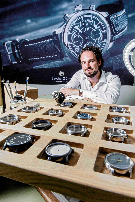 Axel Kmonitzek, Geschäftsführer von Fischer & Cie., in der Uhrenmanufaktur in Hamburg.