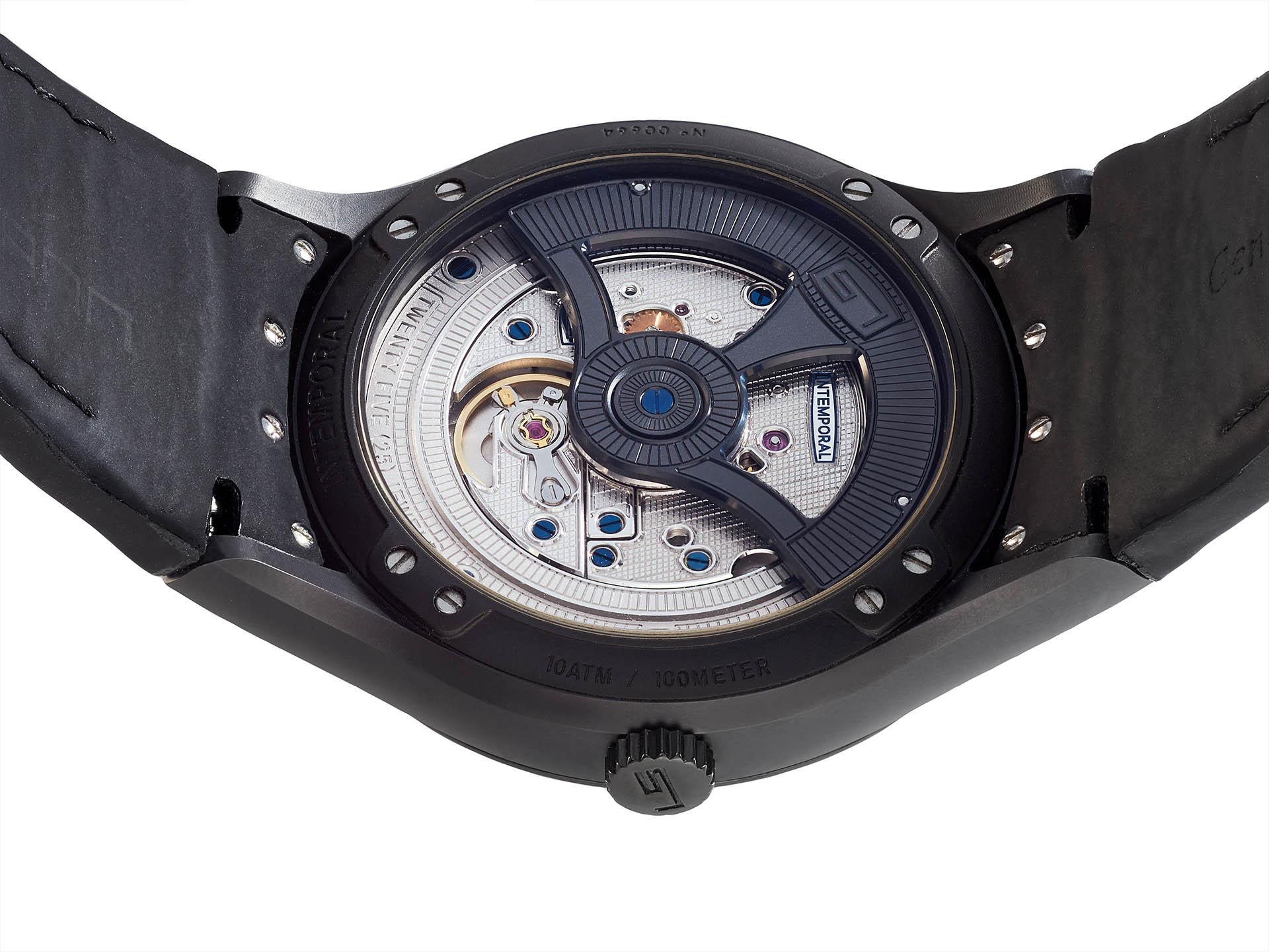 Technische Ästhetik: das fein dekorierte Kaliber LS 003 mit schwarz beschichtetem Rotor