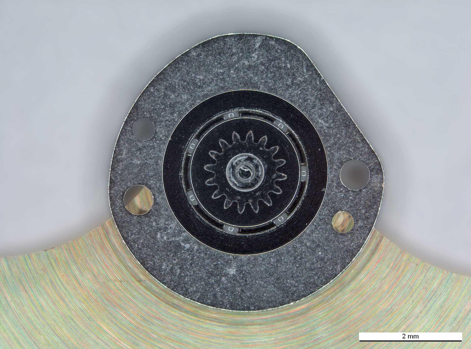 Der Rotor von Werken aus dem Hause Girard-Perregaux dreht sich dank Lagern mit Keramikkugeln völlig ohne Schmierung.