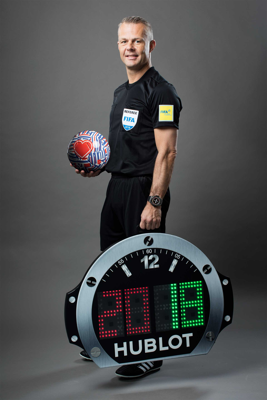 WM-Spezial: Uhren rund um den Fußball
