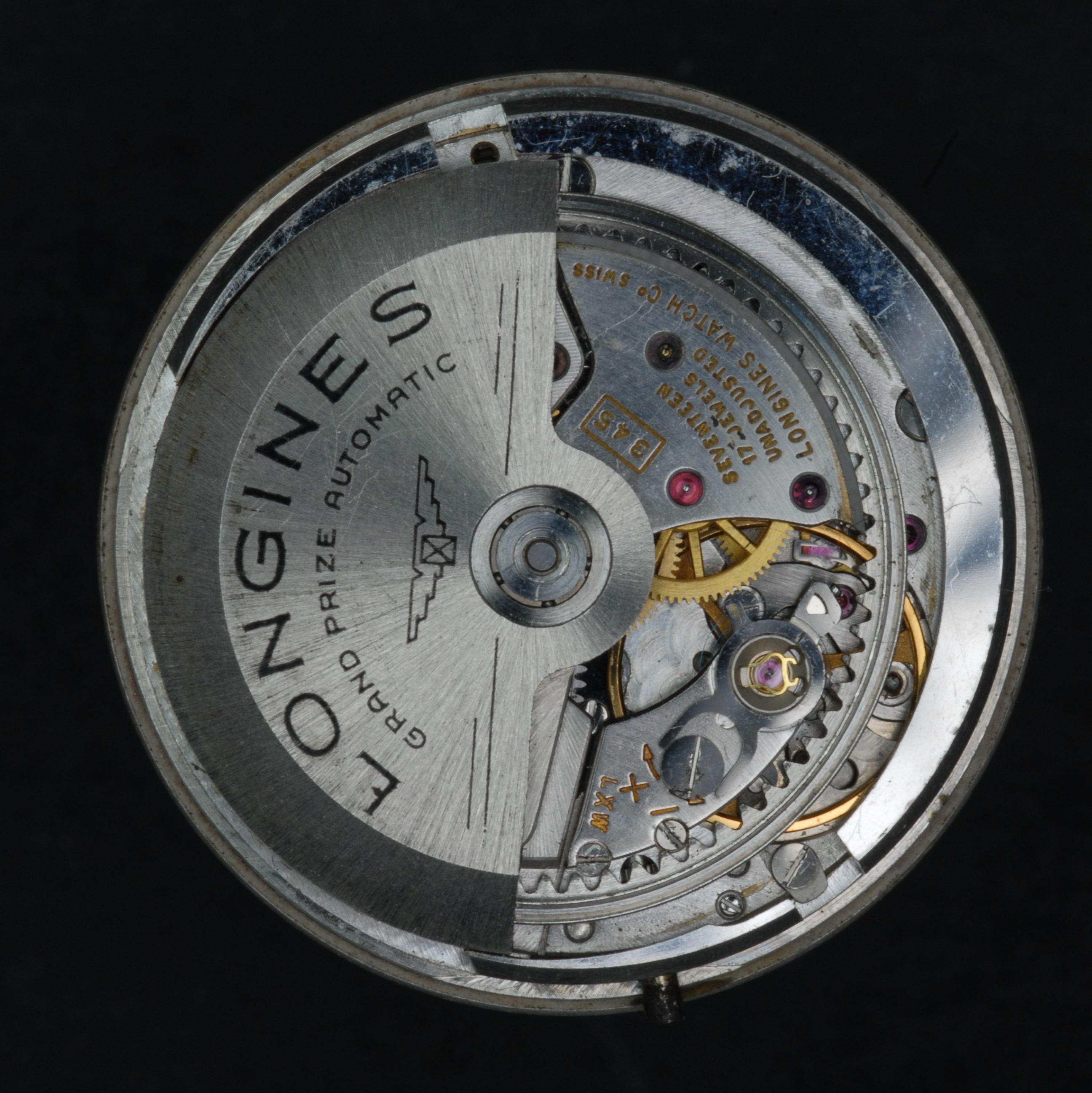 Longines Kaliber 345 mit großem, exzentrisch angeordneten Rotor