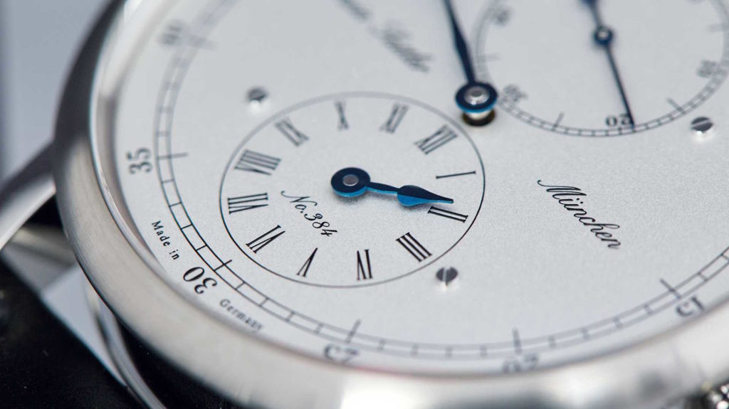 RÉGULATEUR VS. FLYING REGULATOR