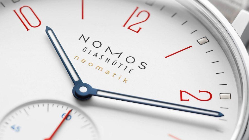 Nomos Glashütte: Ahoi neomatik signalweiß