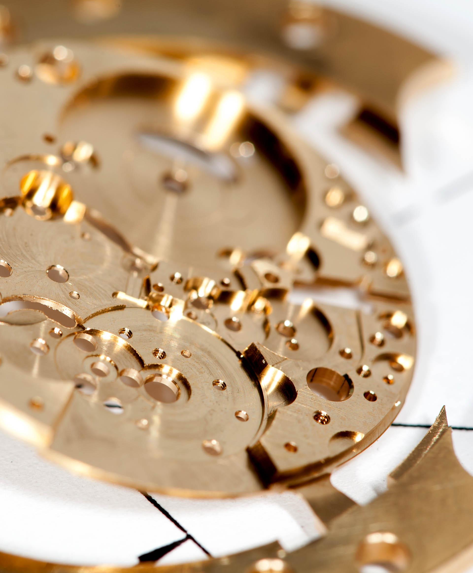 Platine eines mechanischen Uhrwerks.