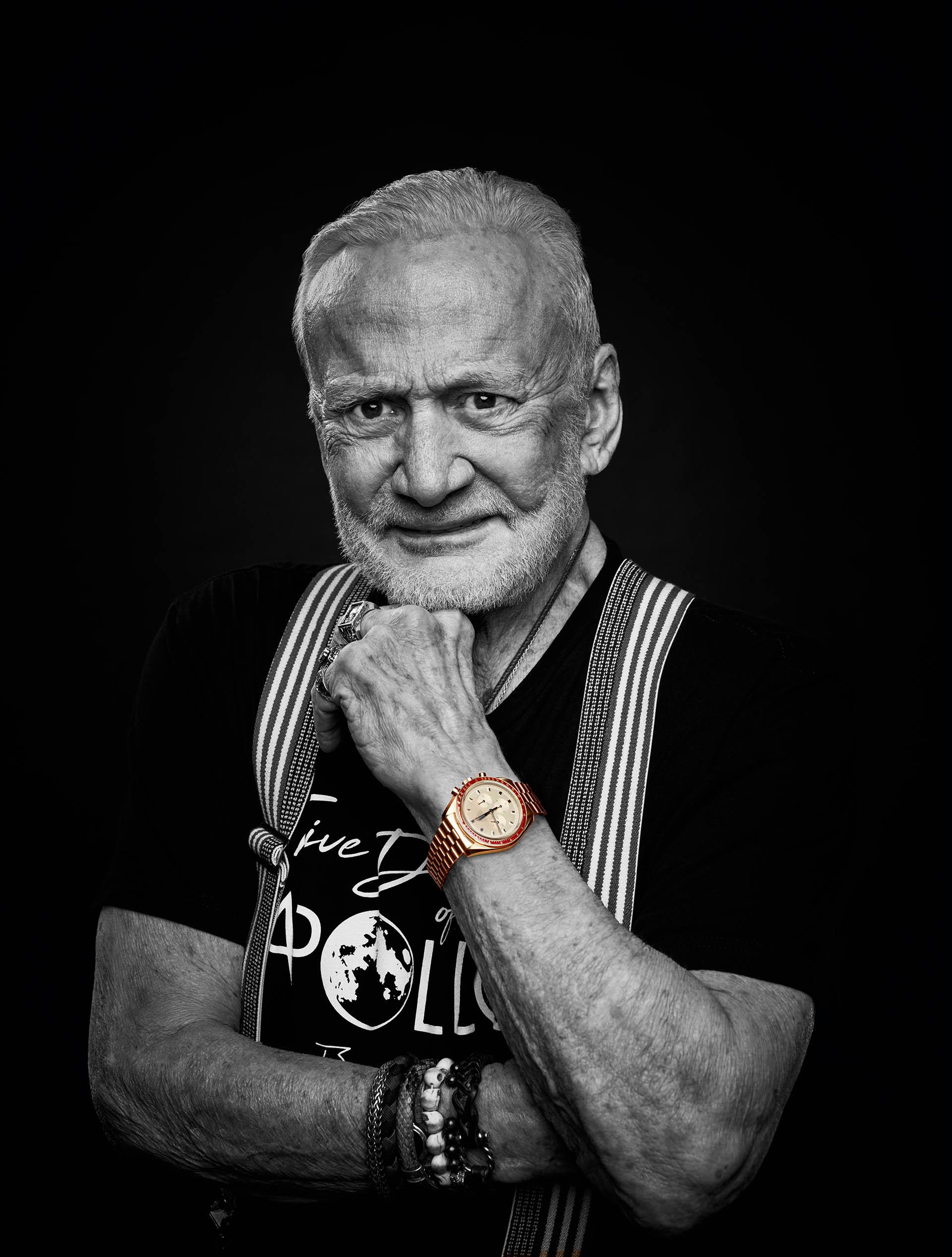 Astronaut Buzz Aldrin besitzt bereits eine goldene Speedmaster von 1969.