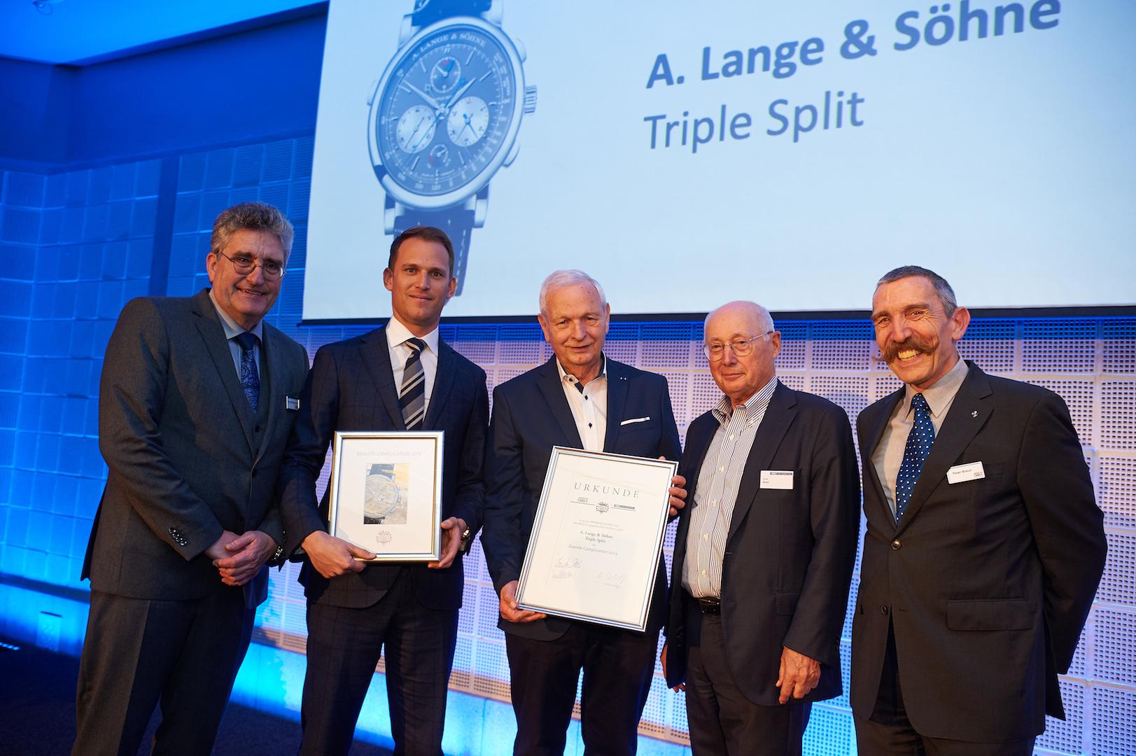 Den Jurypreis für die Grande Complication des Jahres 2019, den Triple Split von A. Lange & Söhne, nahmen Brand Manager Leonard Pictet und Lange-Urgestein Hartmut Knothe entgegen.