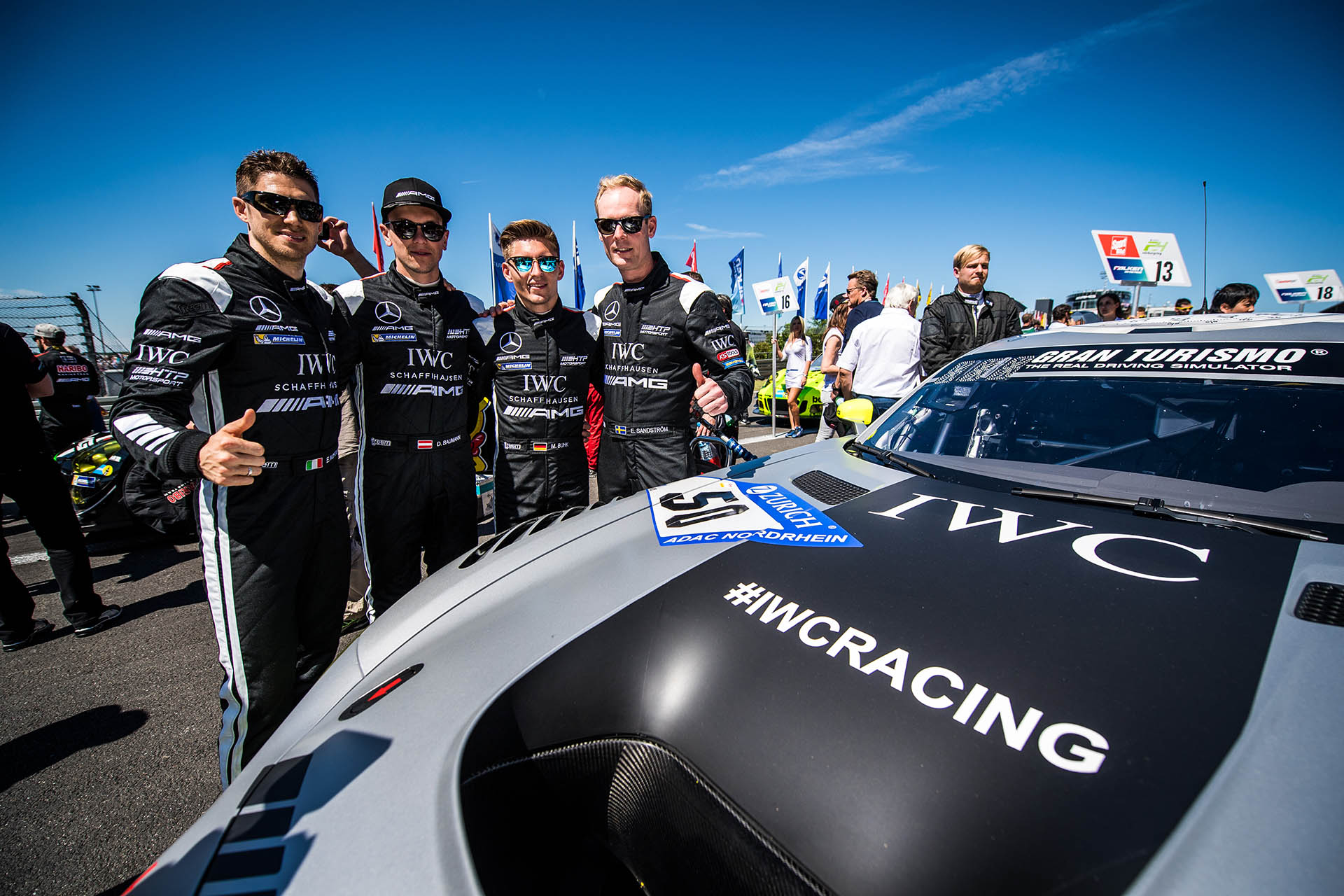 Mercedes-AMG-Team im IWC-Outfit