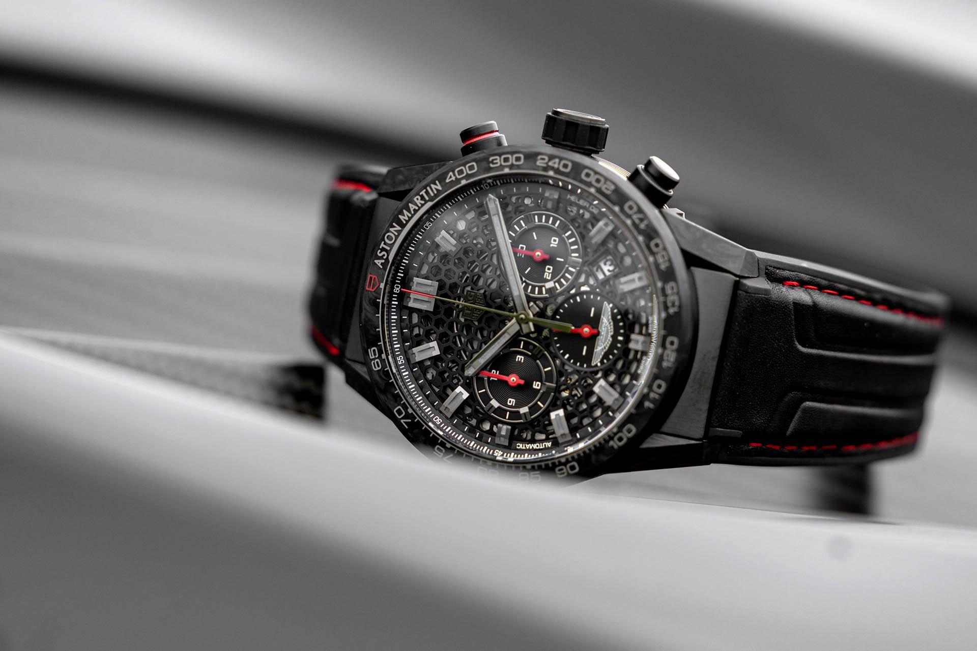 Der Karbon-Chronograph DBS Edition Carrera Heuer 02 kostet die Kleinigkeit von 295.000 britischen Pfund
