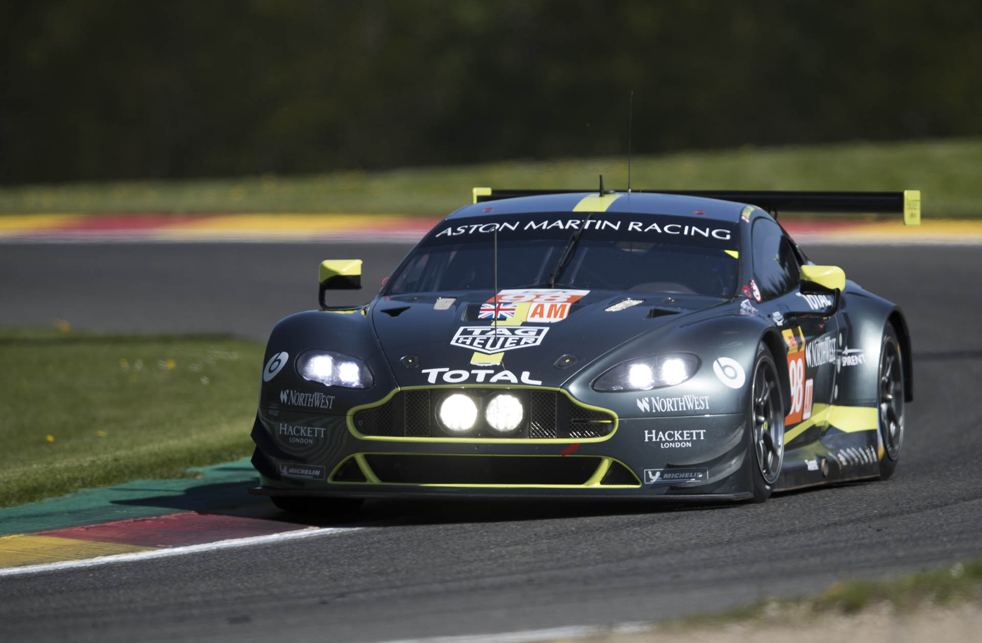 Aston Martin Vantage GTE im TAG-Heuer-Outfit