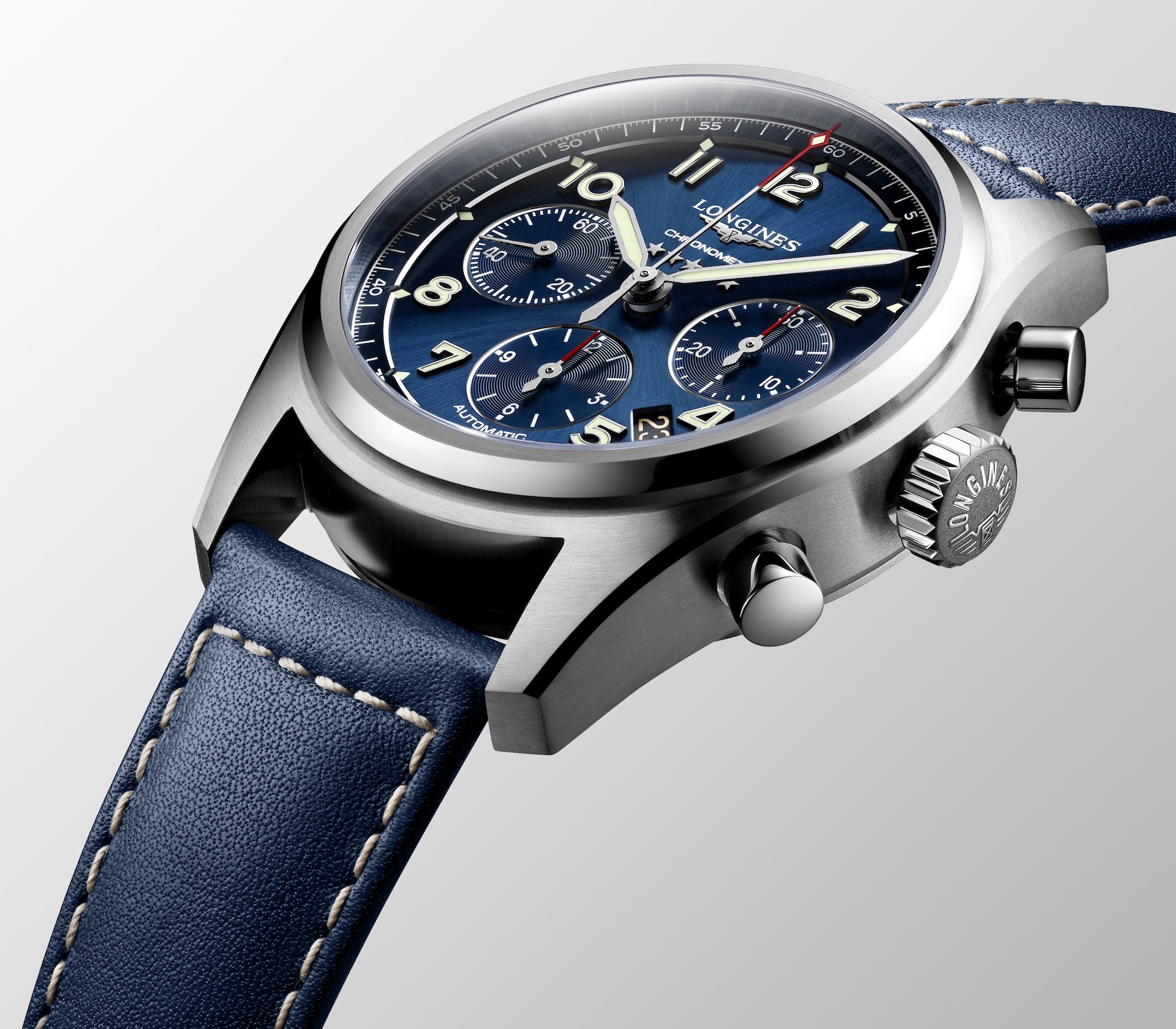 Den Longines Spirit Chronograph Automatic gibt es wahlweise mit blauem oder schwarzem Zifferblatt