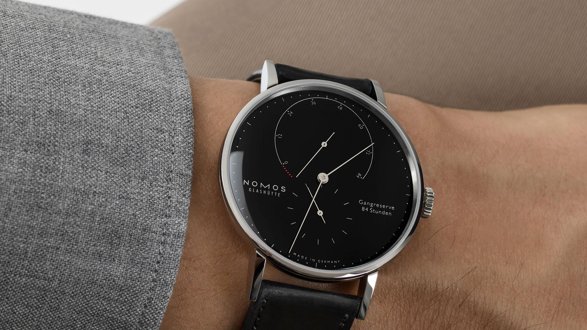 Nomos Lambda Uhr des Monats November