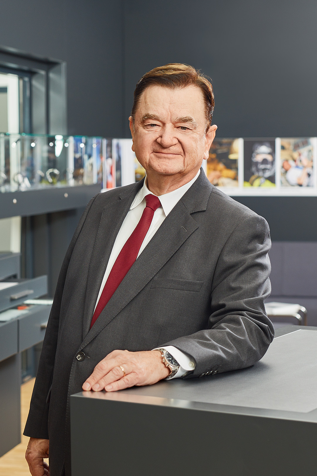 Uhrenpersönlichkeit Lothar Schmidt, Sinn Spezialuhren