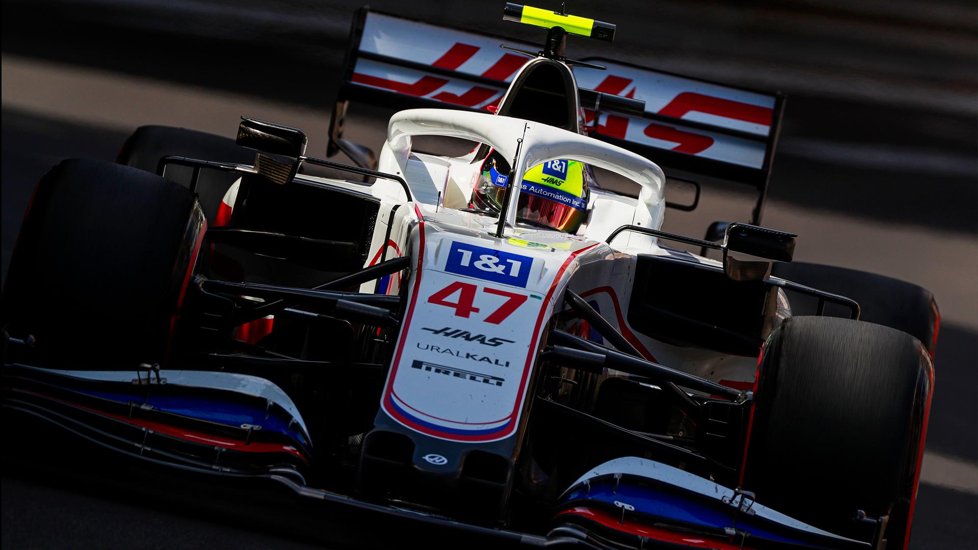 Mick Schumacher in seinem Rennwagen.